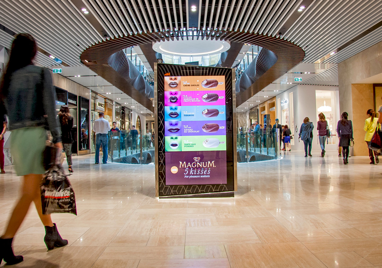 Постеры в торговых центрах
