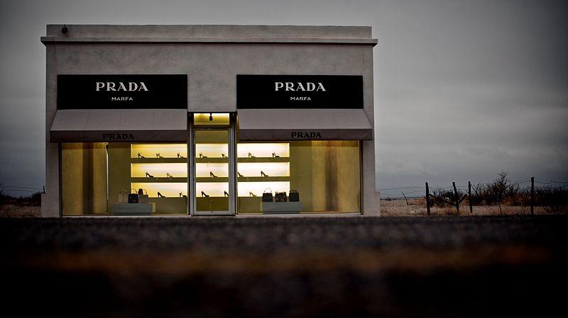 Prada откроет интернет-магазин в России.jpg