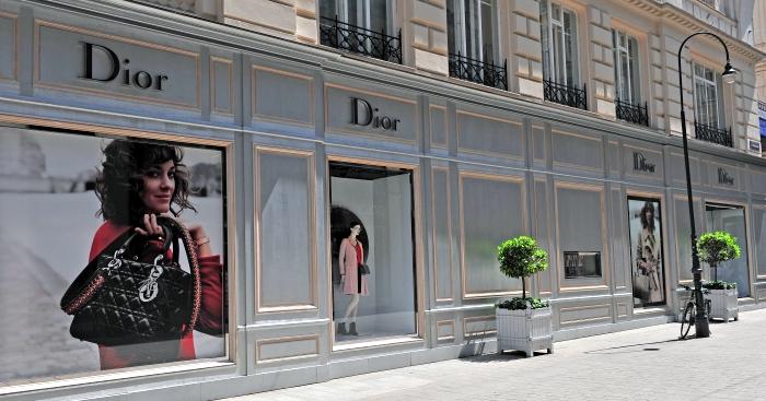 Фасад магазина Dior.jpg