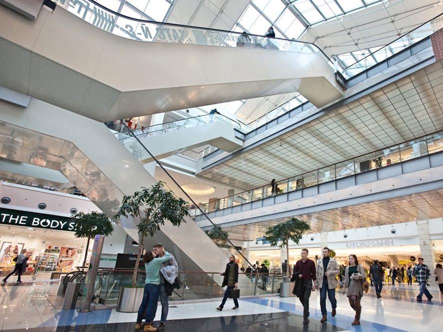 Интерьер торгового центра.png